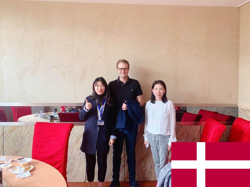 Danish customers come to Huashun to discuss becoming a distributor